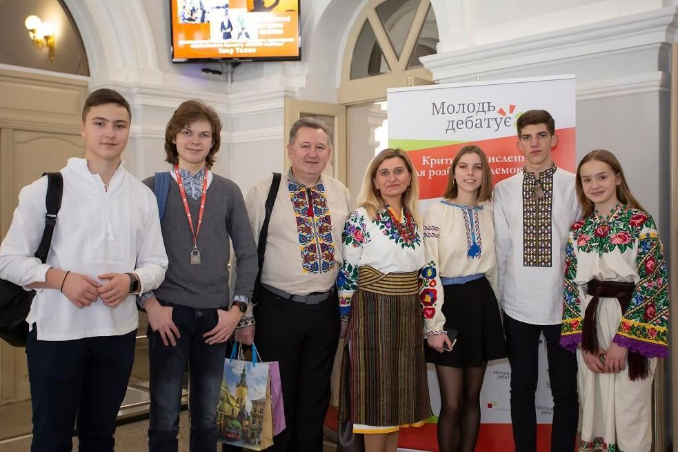 Учні Чернігівщини їдуть на міжрегіональні дебати