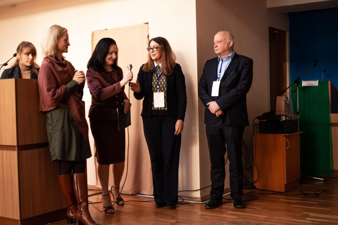 Керівниці проєкту «Молодь дебатує» Віола фон Крамон, Ольга Пішель, та Генеральний консул Федеративної Республіки Німеччина, д-р Штефан Кайль