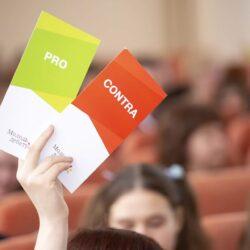 ПРО чи КОНТРА? Учасники національного дебатного турніру для школярів «Молодь дебатує»