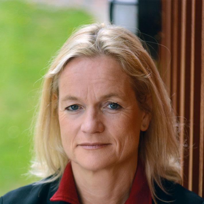 Віола фон Крамон, депутатка Європарламенту, Ініціаторка проєкту  «Молодь дебатує» в Україні