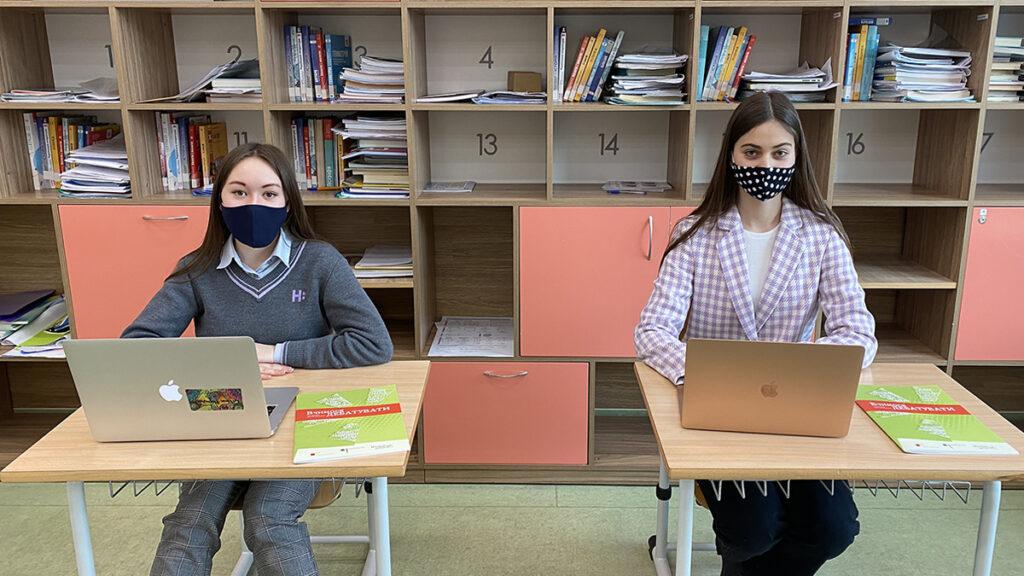 Мирослава та Дар'я, м. Київ — учасниці онлайн-турніру