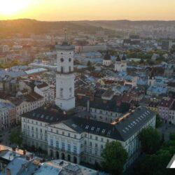 У трьох школах Львова обговорили новий проєкт  «Молодь дебатує» з медіаграмотності